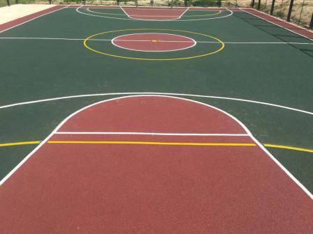 Резиновое бесшовное покрытие спортивных и детских площадок