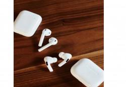 Apple AirPods original и аксессуары к ним