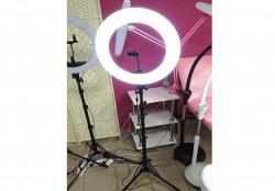 Кольцевая лампа визажиста