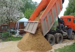 Доставка песка 10-15тн