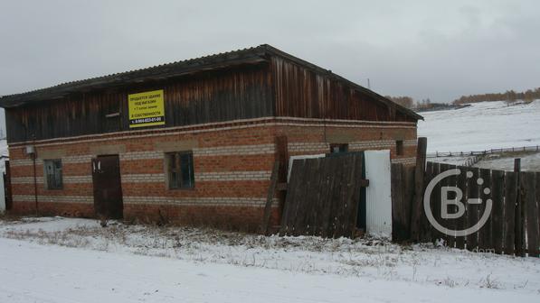 Здание под магазин.