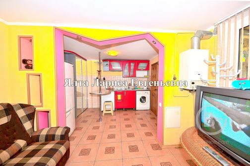 Сдам 3 к. дом у моря в Ялте с двором мангалом гаражом