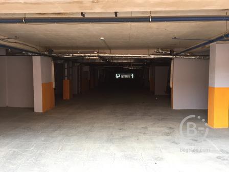 Продажа машиноместа в подземном паркинге жилого дома (готово к   эксплуатации) на улице Парковая 12