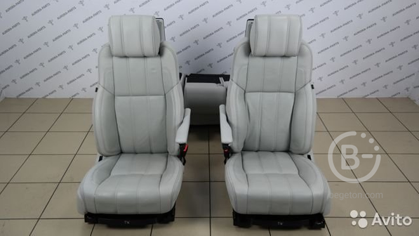 Комплект сидений с мониторами и вентиляцией (белая
