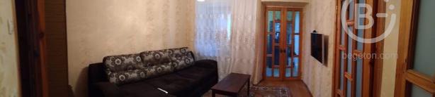 Продам 4-комн. квартиру в центре Симферополя