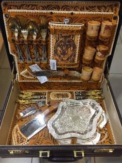 Подарочный шашлычный набор в кейсе с шампурами с головами животных