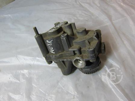Клапан ускорительный Wabco 4802020040 Mercedes-benz 0054296944 для грузовика