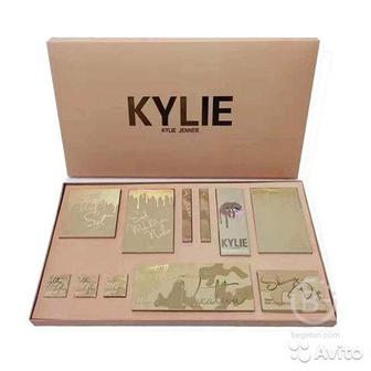 Набор для макияжа Kylie