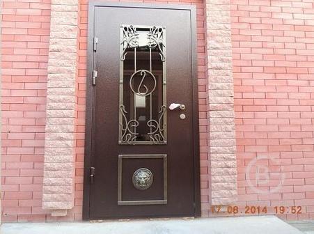 Металлические двери  (по индивидуальному дизайну; нестандартный размер)