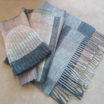 Комплект (шарф и шапка) ручной работы полушерстяной