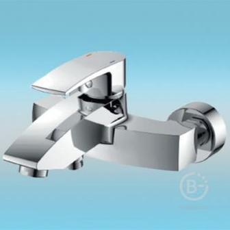 Смеситель Vigro для ванны Versal E517 короткий излив