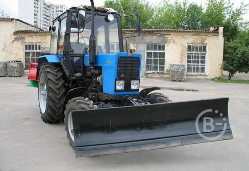 Трактор МК-02 на МТЗ-82 (отвал+ щётка)