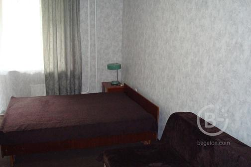 1 комнатная квартира в самом центре г КИРОВА  ( рядом )ОБЛАСТНАЯ БОЛЬНИЦА ЦИРК ПАРК  ТЦ ЦУМ Ж/Д А/В