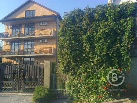Дом с гостевыми номерами в Кабардинке(Геленджик)
