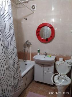 Двухкомнатная квартира девятиэтажный дом девятый этаж площадь 43,4 кухня 9,9