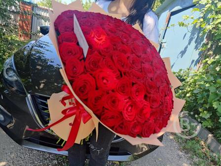 купить 101 розу в Липецке