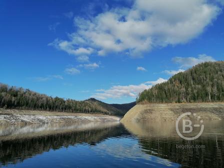 """Отдых на Саяно-Шушенском водохранилище (за ГЭС). Домик на воде """"Отважный Ёрш"""""""