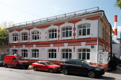 Здание (B+), 1 700 м²
