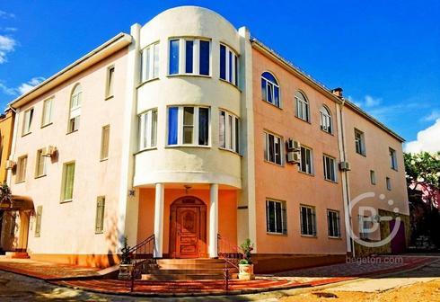 Продам гостиницу + дом с двумя 3-х комнатными квартирами