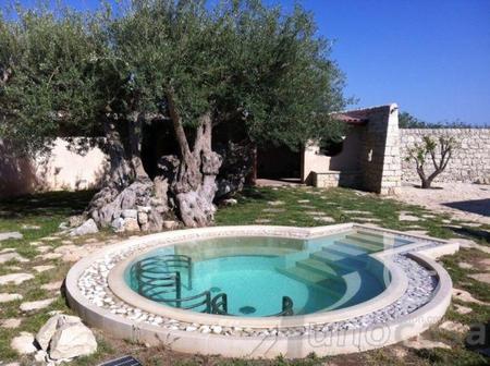 Продается новая современная вилла с бассейном в Модика , Италия