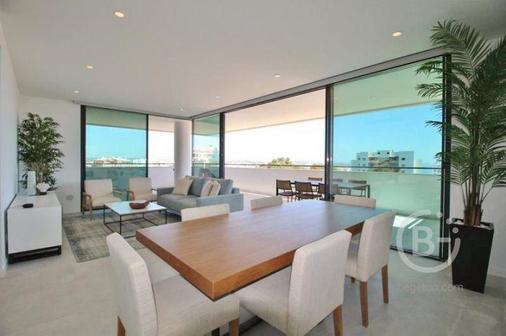 Предлагаем апартаменты превосходного качества с фантастическим видом на море