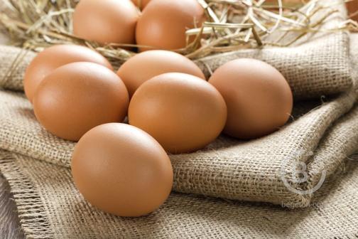 Продам яйца куриные - излишки домашнего подворья. Цена за десяток 100 руб. По Кировскому району при покупке от 100 шт возможна доставка при предоплате на карту.
