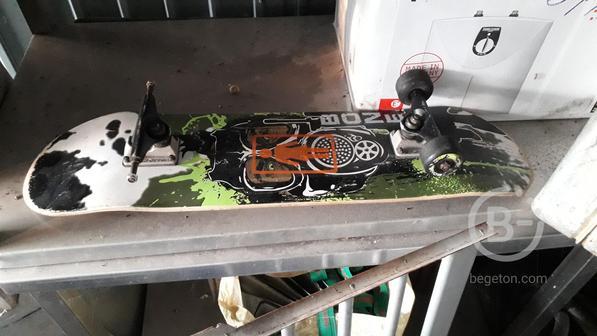 Скейт с запчастью