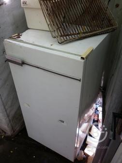 Холодильник без морозилки .Темп -4+6 Два разных Холодильника