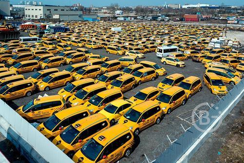 Авто под такси.