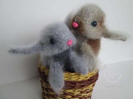 вязаная игрушка кролик