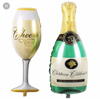 Бутылка и бокал шампанского!!!