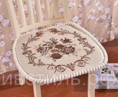 Сидушка на стул велюровая с с рисунком и кантом