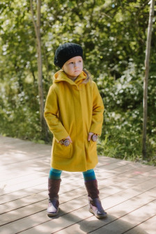 Шерстяное утепленное пальто горчичного цвета