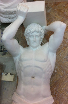 Скульптура Атланта в натуральную величину