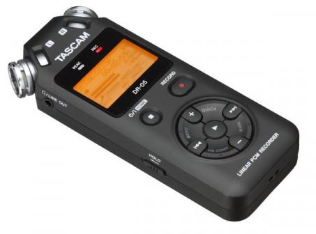Профессиональный звуковой рекордер Tascam DR-05 v2 в аренду
