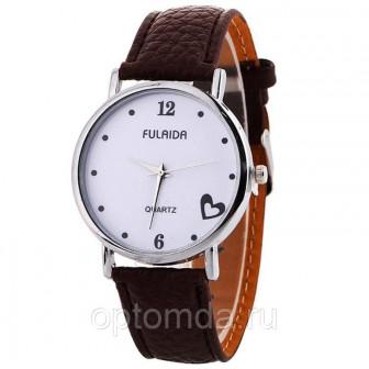 Женские наручные часы с ремешком из эко кожи