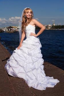 Свадебное платье со шлейфом+фата+круги, р.42-44, США
