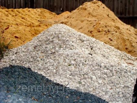 Песок строительный валом и в мешках