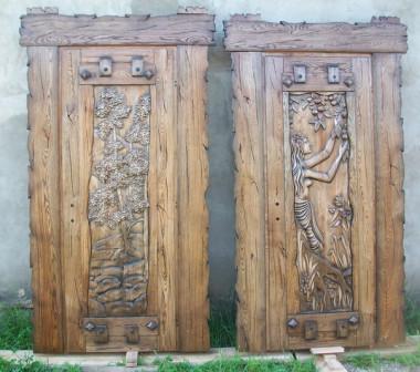 Двери резные из массива дуба.