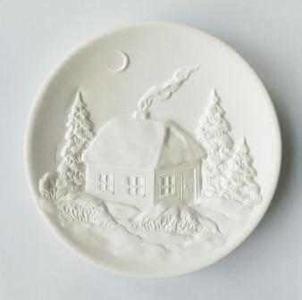 Тарелка для росписи из керамики Зимний дом