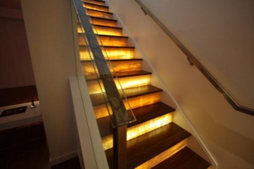 Новинка! Новый контроллер для динамической подсветки лестниц