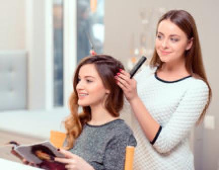 Преимущества пользования услугами личного парикмахера