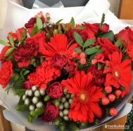 #214 Сочный букет из гербер, роз, диантусов, скидка 15%