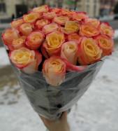 Успей заказать букет из 25 роз! 1300 руб.