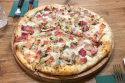 Трюфельная пицца с беконом и грибами 499р вместо 600р