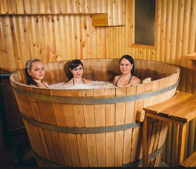 Пивная ванна в Эко-Отеле Очаровательная полянка