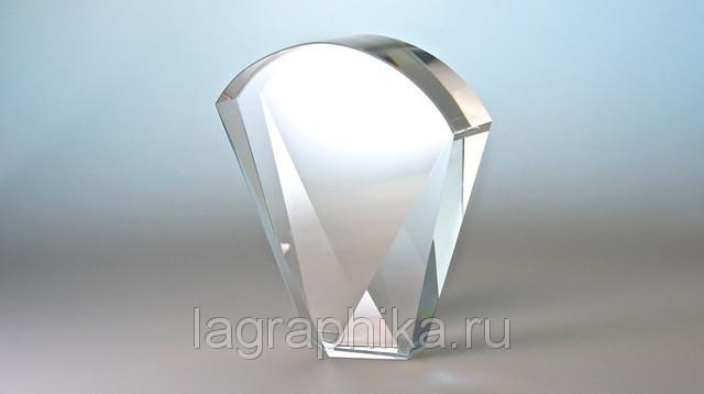 Объёмная лазерная гравировка в стекле (кристалле)   Стекло «букет» 165х150х35