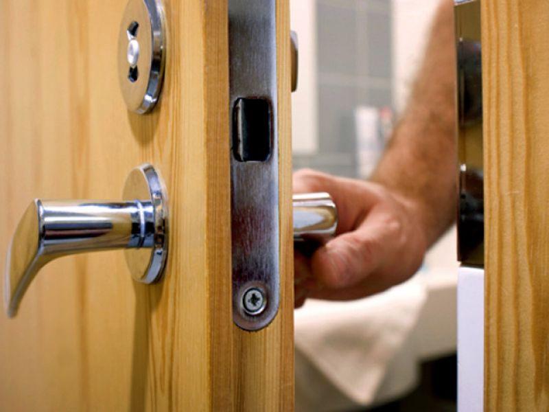 Вскрытие входной двери в Сыктывкаре