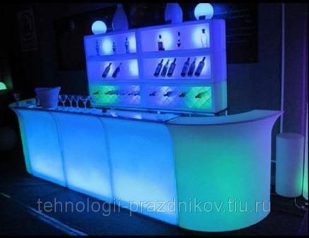 Аренда светодиодной мебели и светящихся объемных фигур