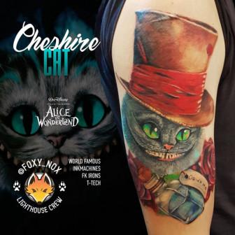 Сеанс татуировки // Цветной реализм